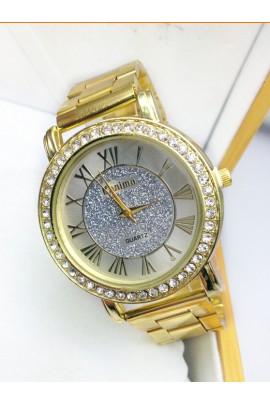 Laikrodis su kristalais