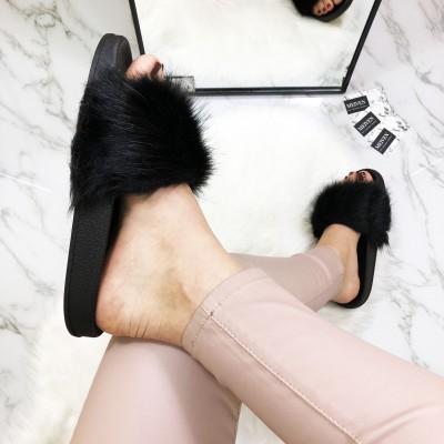 """Šlepetės """"Fur Black"""""""