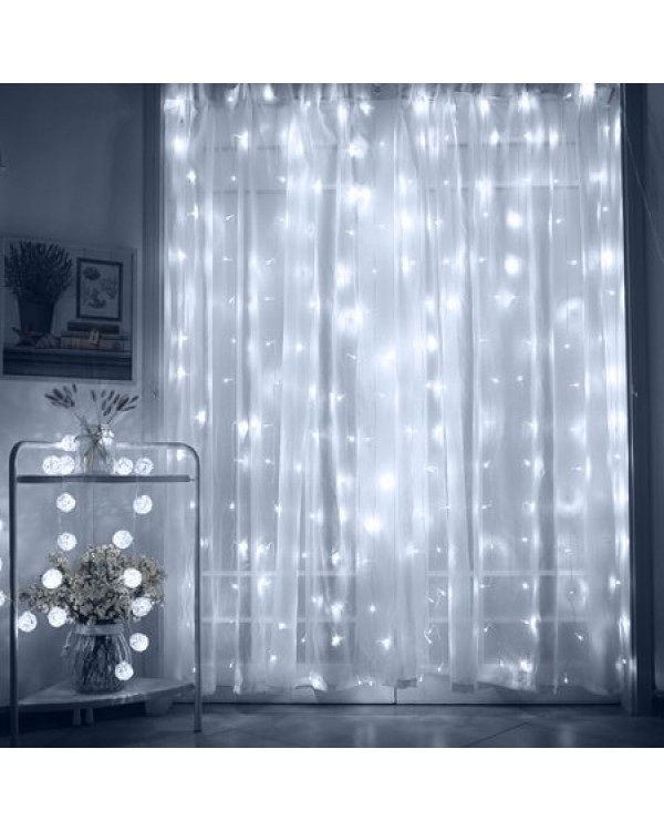 1,8M ilgio x 1,5M pločio 360 LED lempučių užuolaida